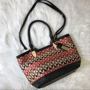 Black straw woven patterned handbag